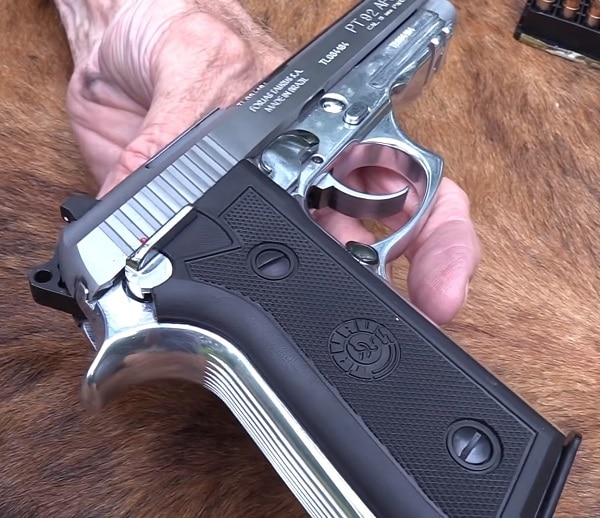 Taurus PT92 - 5