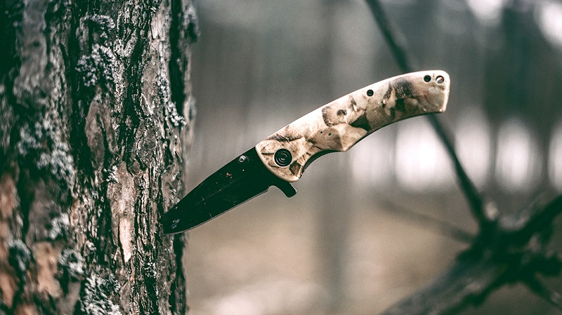 Factors To Consider Before Purchasing A Hunting Knife